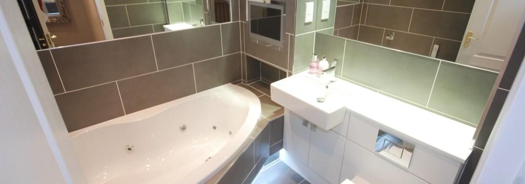 bathroom 2 2000 x 703